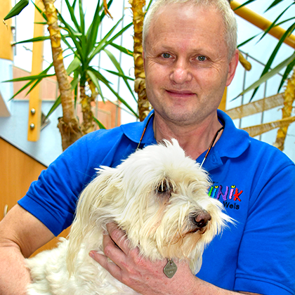 Dr. Christian Schwingshandl - Leiter Tierklinik Wels