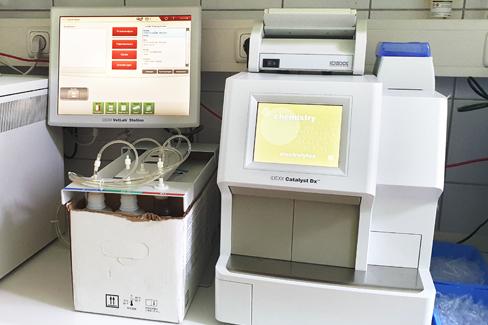 Blutanalysegerät